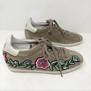 New Ash Gull floral embroidered suede